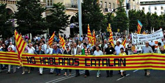 Ciudadanos de Aragón se manifiestan contra el 'imperialismo' catalanista