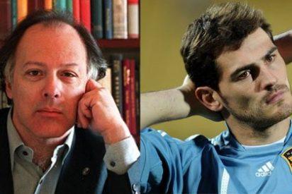 """El escritor Javier Marías, en El País Semanal: """"No sorprende que a Casillas lo odien los tertulianos maleantes de la extrema derecha"""""""