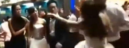 La embarazada que irrumpió en la boda del amante rabiosamente vestida toda de blanco