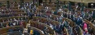 [Vídeo] ¡Tonto el último! Vergonzosa estampida de los diputados del Congreso para 'cruzar el puente' cuanto antes