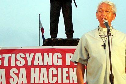 """Monseñor Pabillo, presidente de Cáritas Filipinas: """"La prioridad es proporcionar alimento y refugio a las víctimas"""""""