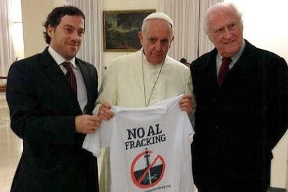 Francisco posa con una camiseta 'anti-fracking'