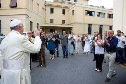 Francisco obligará a fichar a los trabajadores de la Santa Sede