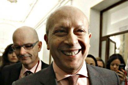 """José Ignacio Wert al ver la nube de periodistas: """"Esto es una jungla y yo sin machete"""""""