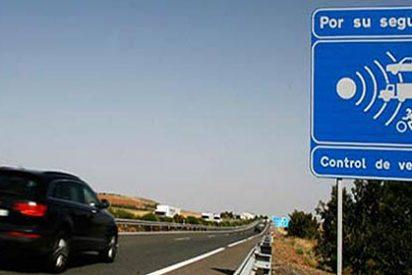 Los diez radares que más multan en las carreteras españolas y otros 15 muy 'recaudadores'