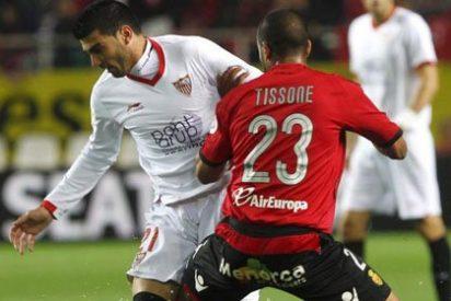 Reyes valora irse del Sevilla