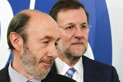 Las visitas secretas de Rubalcaba a La Moncloa hacen mella en Rajoy
