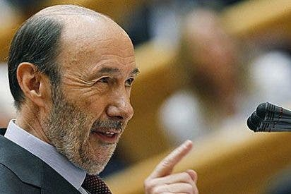 Rubalcaba exige a Rajoy que explique en el Congreso la contabilidad B del PP
