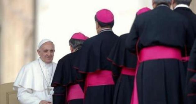Vaticano envía 38 preguntas a los obispos del mundo