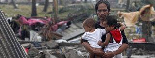 Ayuda a las víctimas del tifón en Filipinas