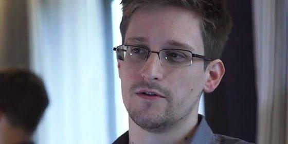 """El 'topo' Snowden a la canciller Merkel: """"Decir la verdad no es un crimen"""""""