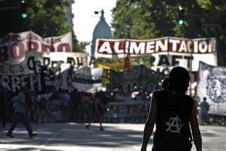 Los cortes de luz y el temor a los saqueos oscurecen la Navidad argentina