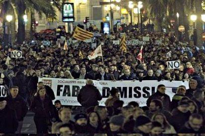 Alberto Fabra consigue lo imposible en Valencia con un PP abochornado por su torpeza