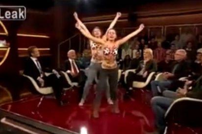 Irrumpen desnudas en un programa de televisión