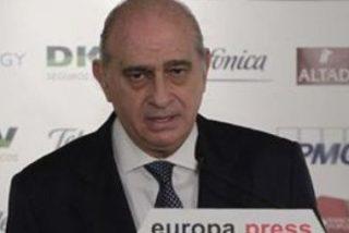 """Fernández Díaz, a Uriarte: """"Es una ofensa poner en el mismo plano a ETA y al Estado"""""""