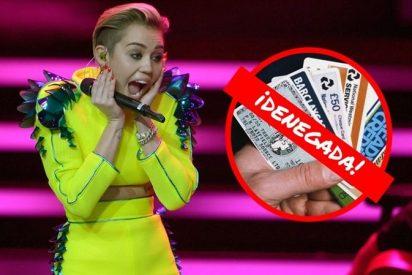 Miley Cyrus da el cante al ir a pagar unos discos y ser denegada su tarjeta de crédito