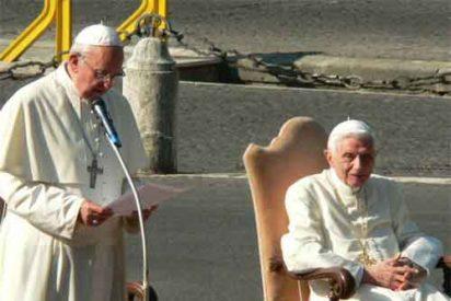 Francisco felicita la Navidad a Benedicto