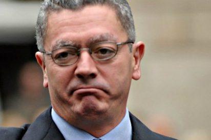 El ministro Ruiz-Gallardón resbala en la escalera, se pega un batacazo y se rompe dos costillas
