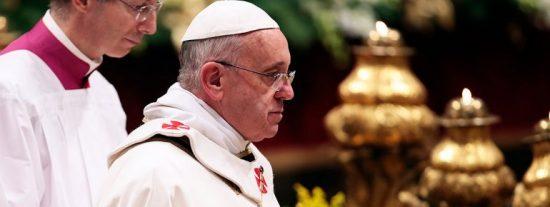 """Francisco: """"Si amamos a Dios y a los hermanos, caminamos en la luz"""""""