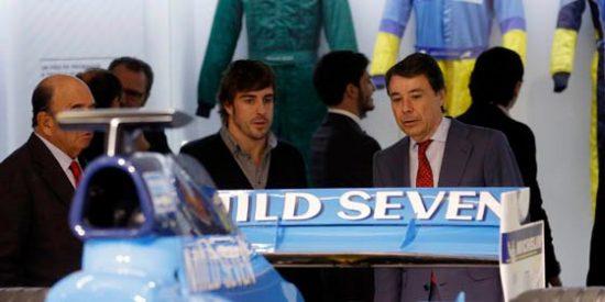 Ignacio González y Fernando Alonso inauguran la primera exposición del piloto