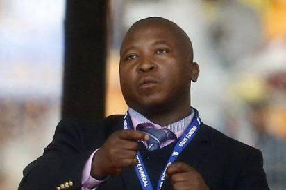 [Vídeo] ¿Quién es el falso intérprete de sordos que dio el cante en el funeral de Nelson Mandela?