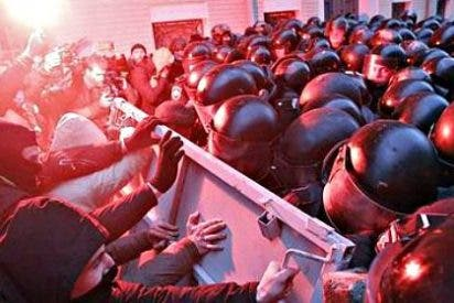 Batalla campal en Kiev entre la policía ucraniana y opositores proeuropeos