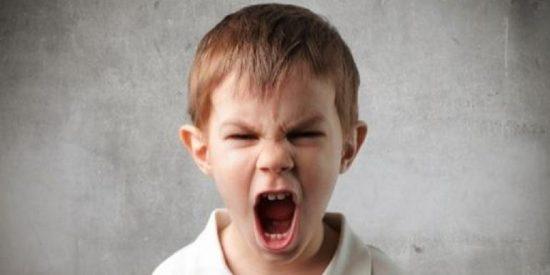 Detenido un niño de 11 años por reventarle la nariz a la abuela que no quiso comprarle un juguete