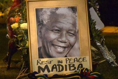 """El Papa califica a Mandela de """"ejemplo en el compromiso por la dignidad humana"""""""
