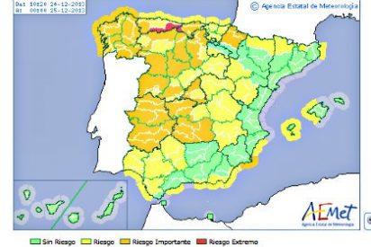 El temporal obliga a cerrar el transporte marítimo en el Estrecho de Gibraltar