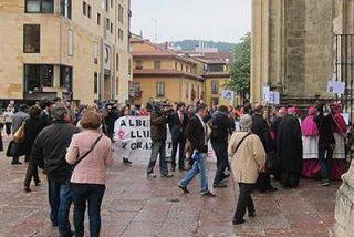 Interrumpen la Misa del Gallo en Sabadell para protestar contra la Ley del Aborto