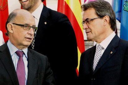Rajoy dice no al separatismo de Mas, pero le afloja otros 900 millones