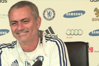 Mou se parte de risa con la pregunta de Rooney