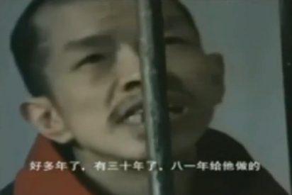 El aterrador vídeo del chino al que su cruel madre tiene metido en una jaula desde hace 42 años