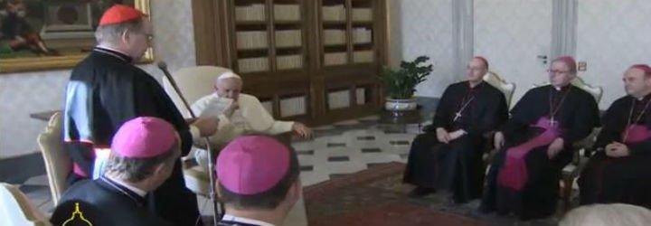 """El Papa pide a los obispos holandeses que sigan acompañando con """"compasión"""" a las víctimas de los clérigos pederastas"""