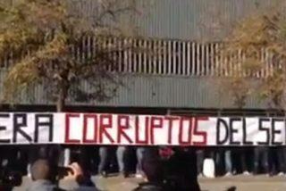 Pancarta de despedida de los Biris a Del Nido