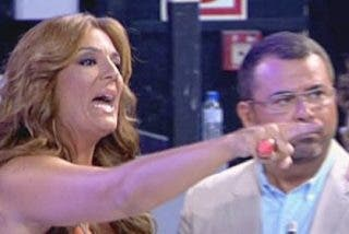 Raquel Bollo, peor que nunca: acusada de traidora, sufre un ataque de ansiedad y se pelea violentamente en directo
