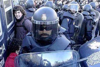 La Policía manda a 72 seguidores de vuelta a Valencia