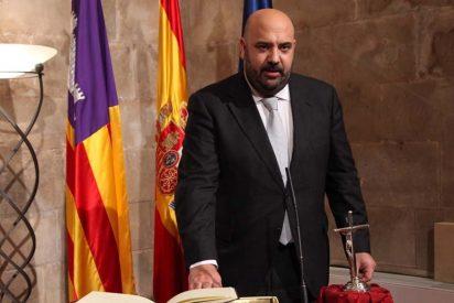 Martínez es ya conseller de Turismo...¿hasta que estalle quizás el caso Rocamar?
