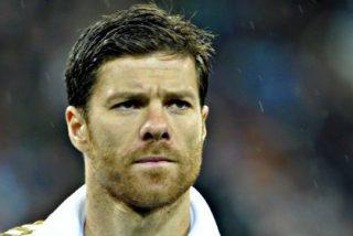 El Real Madrid cree que Xabi Alonso no renovará su contrato... ¡por culpa de su mujer!