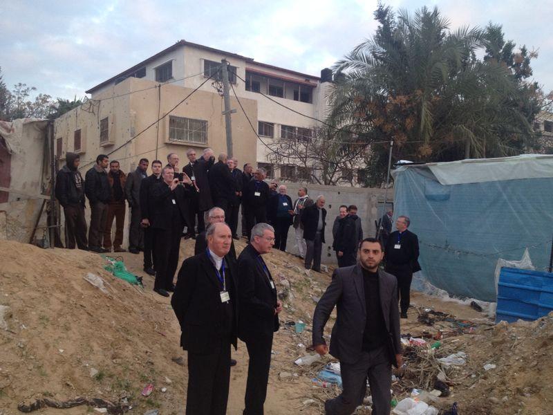 Monseñor Vives pide al Gobierno apoyo a las familias de Beit Jala