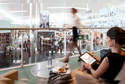 El que no corre, vuela: vive un año a tutiplén en el VIP del aeropuerto gratis total 'trucando' el billete