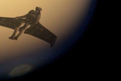Estudian dotar a los astronautas de alas para que puedan volar en planetas con baja gravedad