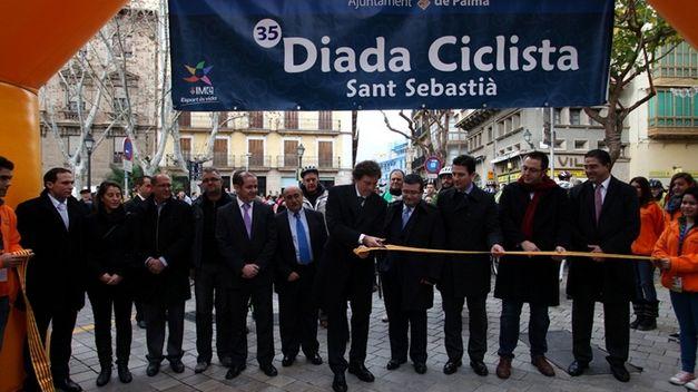 La Diada Ciclista de Sant Sebastià 2014 reúne a 12.000 vecinos a golpe de pedal