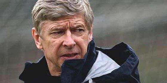 Wenger quiere fichar un nueve ya