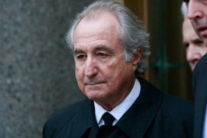 A Madoff le da un infarto de cuidado en la cárcel y encima dice que está enfermo de los riñones