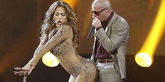 Pitbull se rodeará de dos bellezas para hacer la canción del Mundial