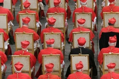 Los cardenales electores pasarán mañana a ser 106
