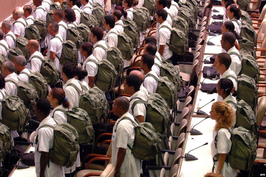 Más de tres mil 'voluntarios' cubanos desertaron de Venezuela durante 2013