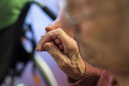Los hospitales del Reino Unido no atienden a algunos enfermos de cáncer...¡porque son demasiado viejos!