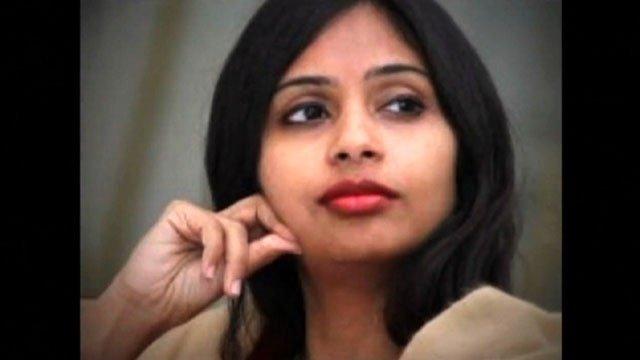 EEUU expulsa a la vicecónsul de la India por pagar por debajo del salario mínimo a su 'chacha'